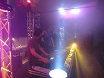 Kranzniederlegung und 3 DJs on Stage